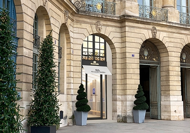 The flagship Grand Seiko Boutique opens in Place Vendôme in Paris.